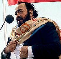 Pavarotti singing on